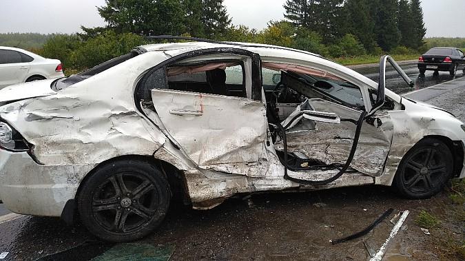 В очередном жутком ДТП у Малинок под Ивановом столкнулись 3 автомобиля фото 8