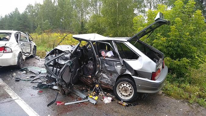 В очередном жутком ДТП у Малинок под Ивановом столкнулись 3 автомобиля фото 2