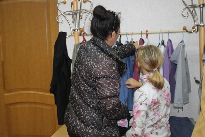 Для нуждающихся в Кинешме открылась «Школьная лавка» фото 2