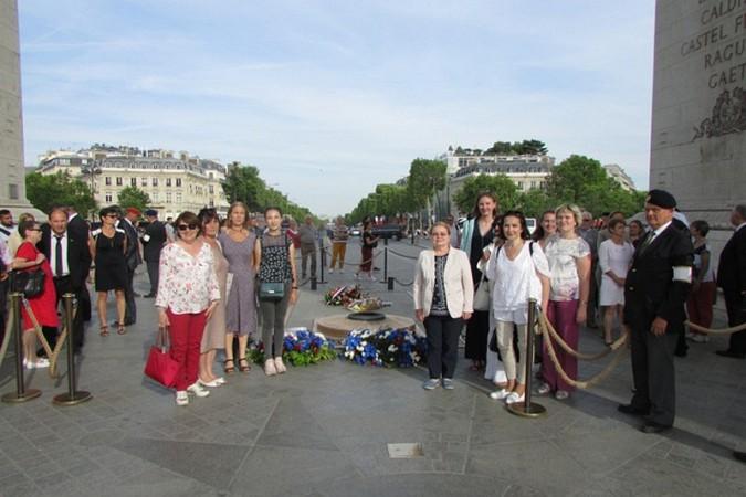 Кинешемка посетила Париж в составе делегации российского фонда мира фото 2