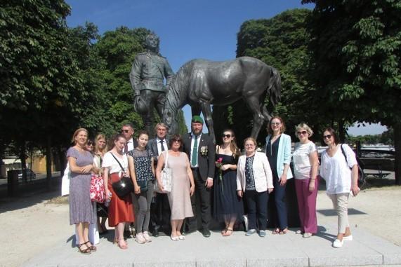 Кинешемка посетила Париж в составе делегации российского фонда мира фото 3