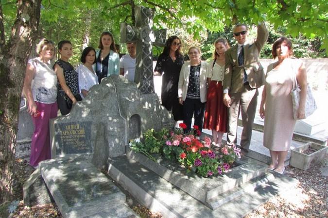 Кинешемка посетила Париж в составе делегации российского фонда мира фото 11