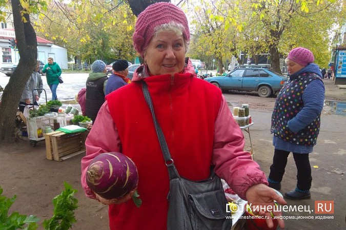 В Кинешме разгоняют микрорынок, где бабушки зарабатывали крохи к пенсии фото 15