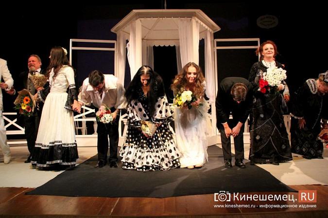 Губернатор Ивановской области оценил премьеру «Бесприданницы» в Кинешме фото 16