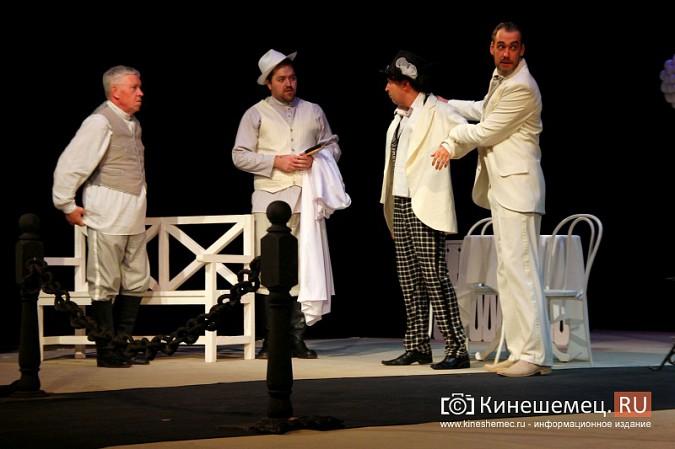 Губернатор Ивановской области оценил премьеру «Бесприданницы» в Кинешме фото 7