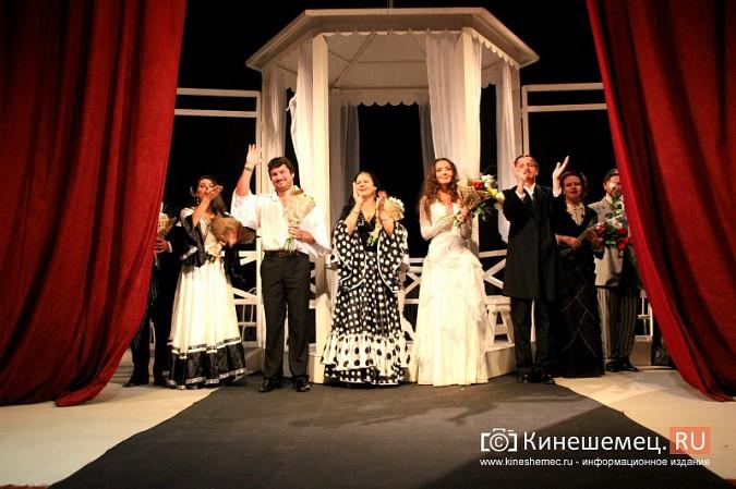 Губернатор Ивановской области оценил премьеру «Бесприданницы» в Кинешме фото 17