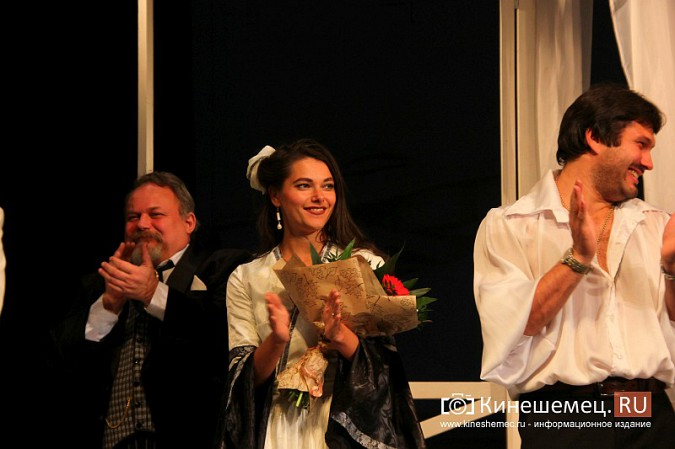 Губернатор Ивановской области оценил премьеру «Бесприданницы» в Кинешме фото 14