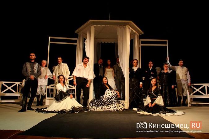 Губернатор Ивановской области оценил премьеру «Бесприданницы» в Кинешме фото 11