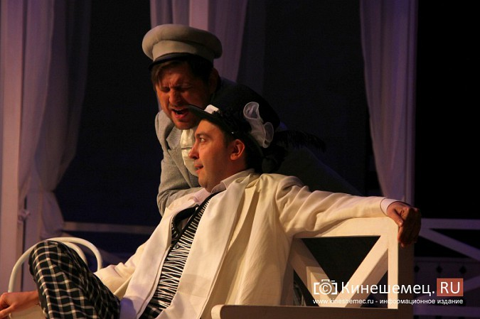 Губернатор Ивановской области оценил премьеру «Бесприданницы» в Кинешме фото 9