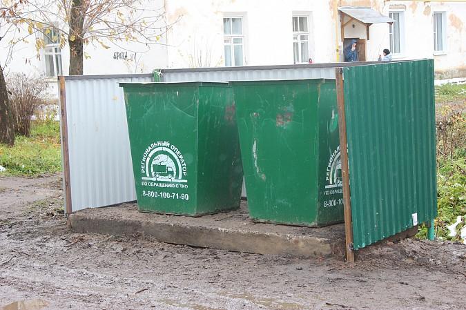 В Кинешме продолжают благоустраивать контейнерные площадки фото 2