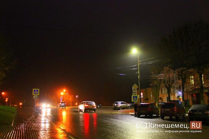 К середине декабря на улицах Кинешмы завершится установка светодиодных фонарей фото 12