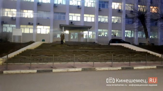 Ограждения у мэрии Кинешмы вызвали вопросы у депутатов фото 4