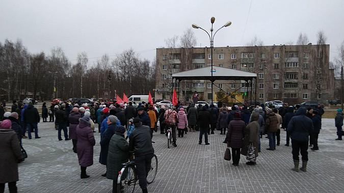 На  «мусорном» митинге в Заволжске говорили о выходе района из состава Ивановской области фото 5