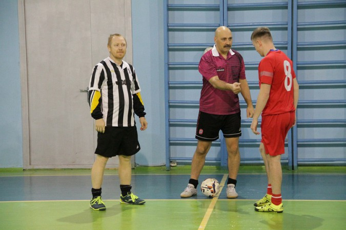 В чемпионате Кинешмы по мини-футболу установилось троевластие фото 7