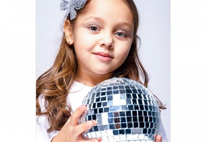 Теону из Иванова с разноцветными глазами признали самой красивой девочкой России фото 2
