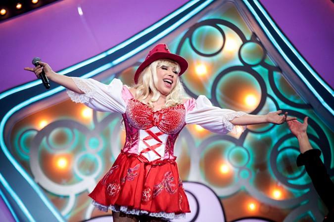 В Кинешме с юбилейным концертом выступит знаменитая пародистка Елена Воробей (12+) фото 2