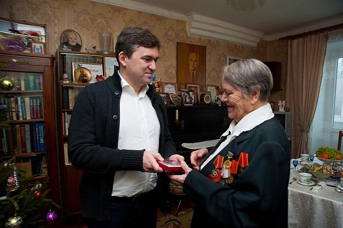 Глава Ивановской области поздравил кинешемского фронтовика Николая Крылова с юбилеем Победы фото 5