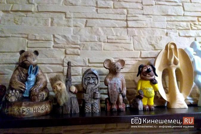 Мастер-самоучка из Кинешмы вырезает из дерева фигуры животных и людей фото 16