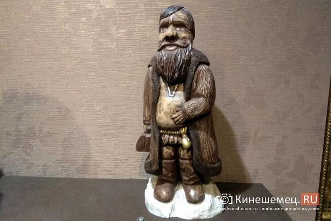 Мастер-самоучка из Кинешмы вырезает из дерева фигуры животных и людей фото 14