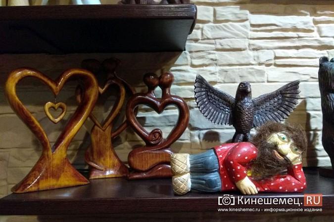Мастер-самоучка из Кинешмы вырезает из дерева фигуры животных и людей фото 5