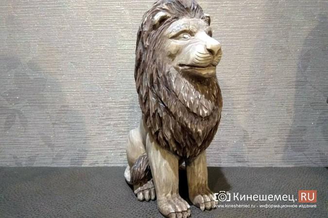 Мастер-самоучка из Кинешмы вырезает из дерева фигуры животных и людей фото 7