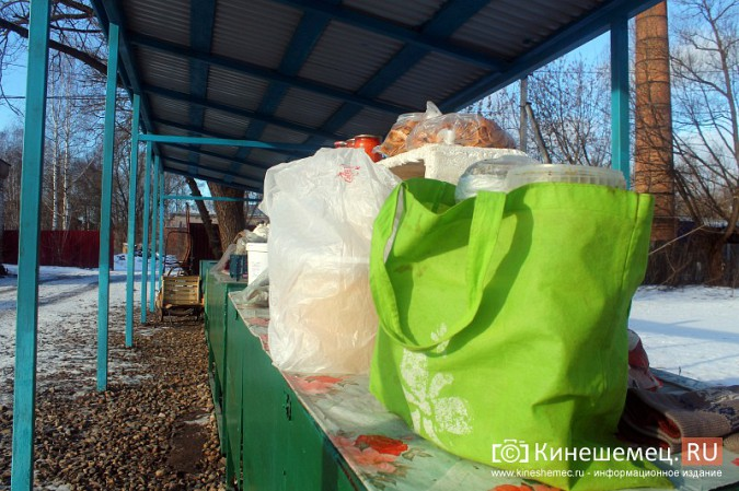 Жители просят отодвинуть от дороги микрорынок на «Чкаловском» фото 6