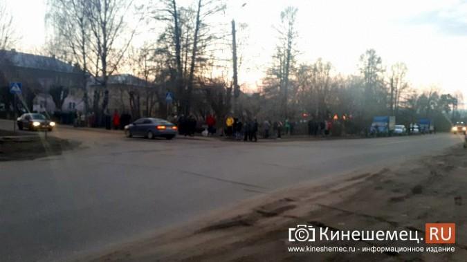 Более ста кинешемцев отказались от самоизоляции, чтобы оценить пожар на Фабрике №2 фото 12