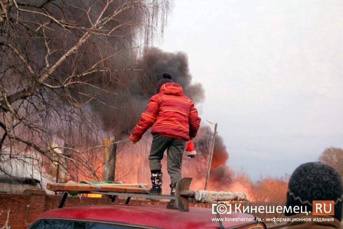 Более ста кинешемцев отказались от самоизоляции, чтобы оценить пожар на Фабрике №2 фото 4