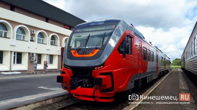 Скоростной рельсовый автобус привез в Кинешму первых пассажиров фото 2