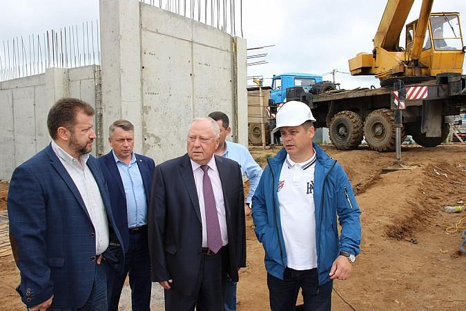 Вячеслав Ступин проверил ход работ на главных инфраструктурных объектах фото 3
