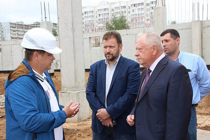 Вячеслав Ступин проверил ход работ на главных инфраструктурных объектах фото 4