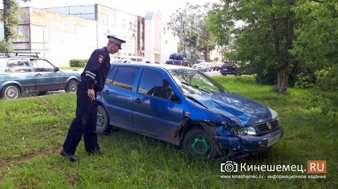 В час пик на ул.Вичугской столкнулись Volkswagen Polo и Kia Rio фото 2