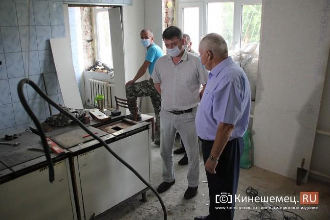 И.о.главы Кинешмы В.Ступин проинспектировал ремонт в образовательных учреждениях фото 10