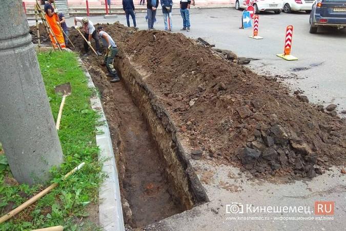На перекрестке Советская-Рылеевская перекопали проезжую часть фото 3