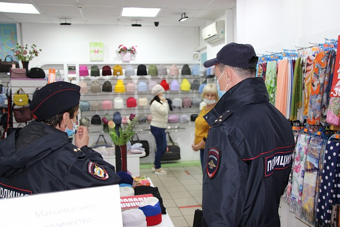 В центре Кинешмы из-за несоблюдения регламентов по коронавирусу закрыли кафе фото 5