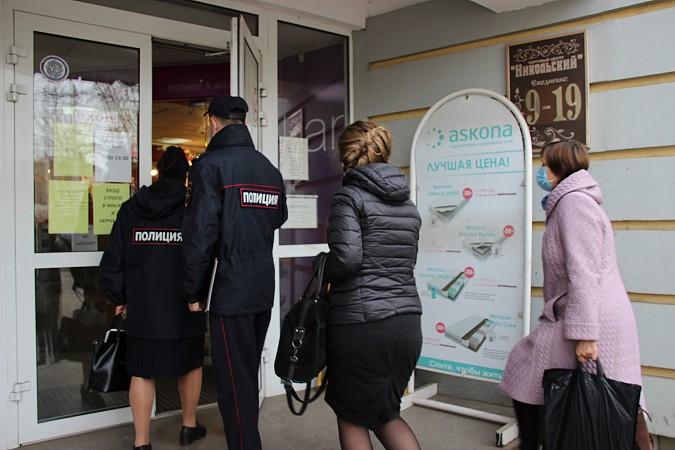 В центре Кинешмы из-за несоблюдения регламентов по коронавирусу закрыли кафе фото 4