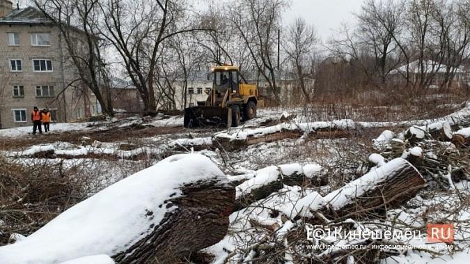 На ул.Островского УГХ расчищает место под строительство офтальмологического центра фото 6