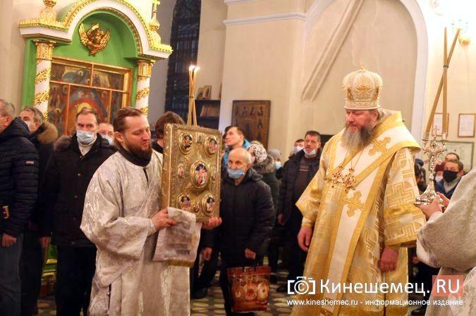 В православных храмах Кинешмы прошли рождественские службы фото 14