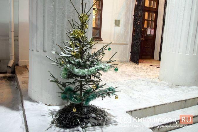 В православных храмах Кинешмы прошли рождественские службы фото 21