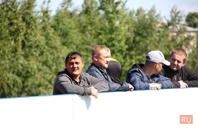 В Кинешме открыли новый мини-стадион с беговыми дорожками и футбольным полем фото 10