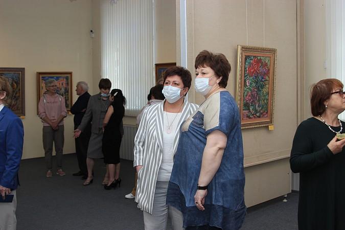 В Кинешме открылась выставка члена Союза художников Владимира Валенцова фото 6