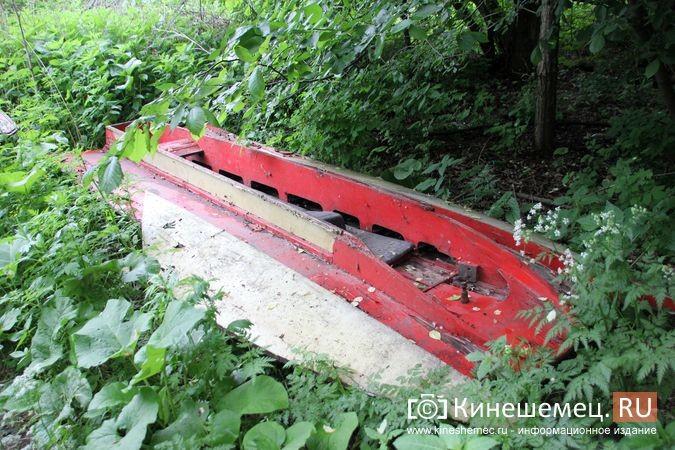 В Кинешме в зарослях у Никольского моста обнаружилось «кладбище» спортивных мотолодок фото 4
