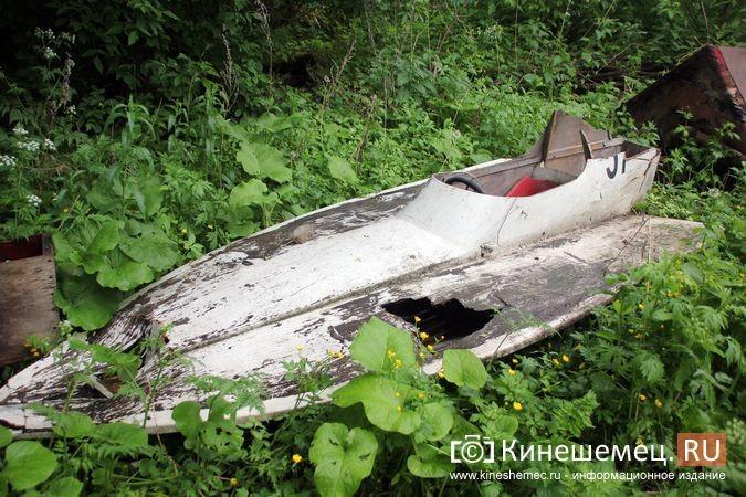 В Кинешме в зарослях у Никольского моста обнаружилось «кладбище» спортивных мотолодок фото 5