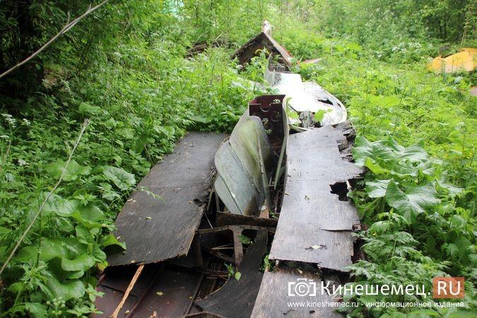 В Кинешме в зарослях у Никольского моста обнаружилось «кладбище» спортивных мотолодок фото 13
