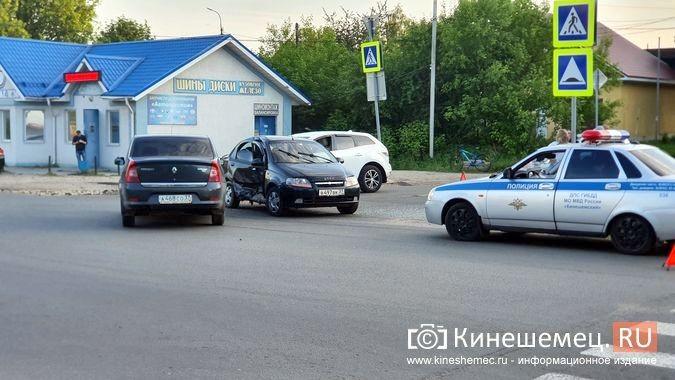 На пересечении улиц Сеченова и 50-летия Комсомола произошло очередное серьезное ДТП фото 3