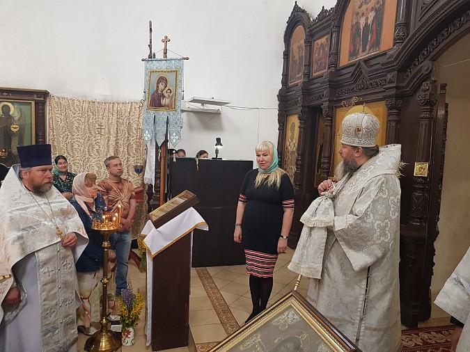 Ковчег со святыми мощами доставлен в Кинешемский храм Сретения Господня фото 2