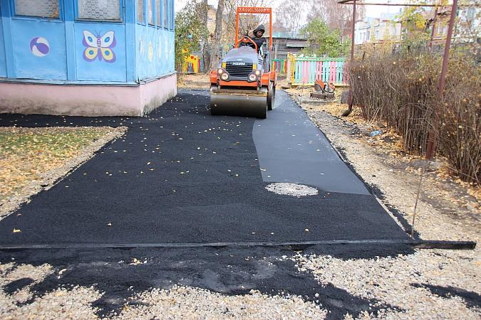 В Кинешме продолжается ремонт территорий детских садов фото 6