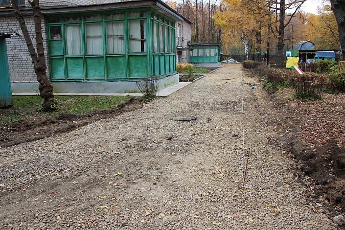 В Кинешме продолжается ремонт территорий детских садов фото 4