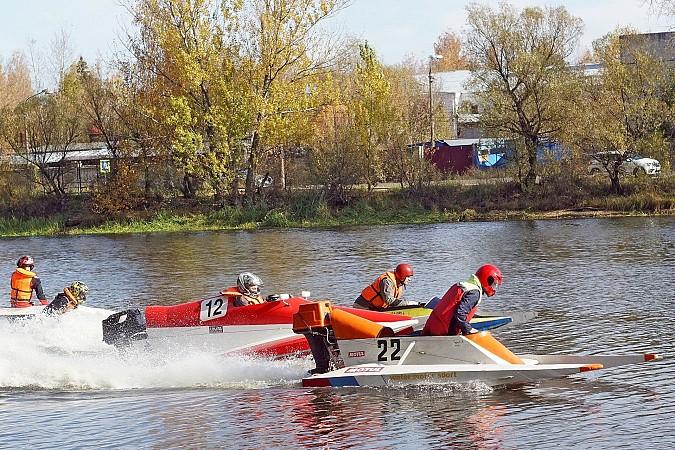 Кинешемец взял «бронзу» на Кубке Тверской области по водно-моторному спорту фото 9