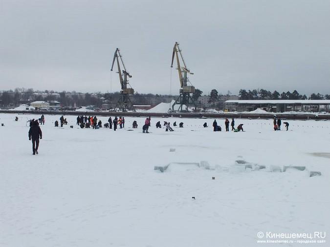 Соревнования по зимней ловле рыбы на мормышку прошли в Кинешме фото 30